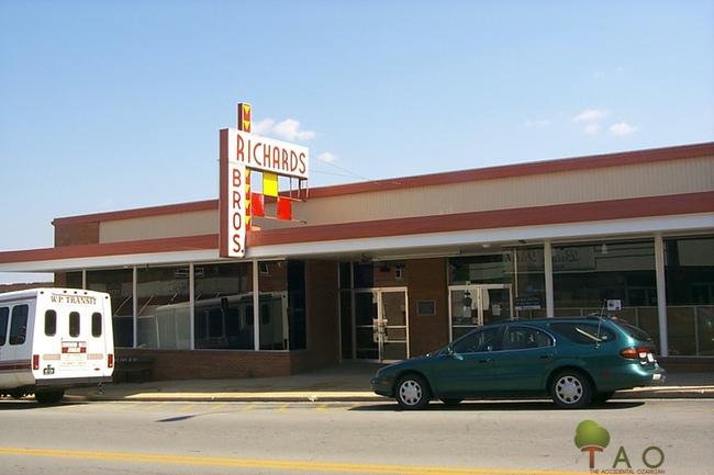 former V&Y super market in West Plains