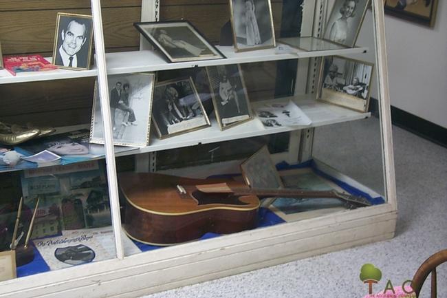 Porter Wagoner's guitar