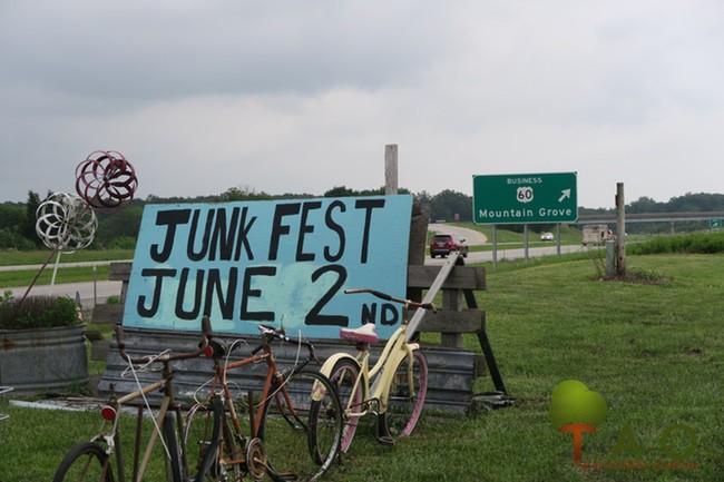 E Marie's Spring Junk Fest 18