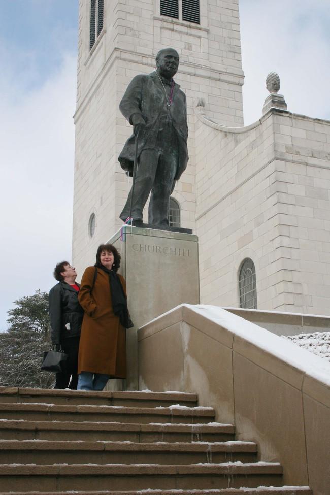 Winston Churchill statue fulton