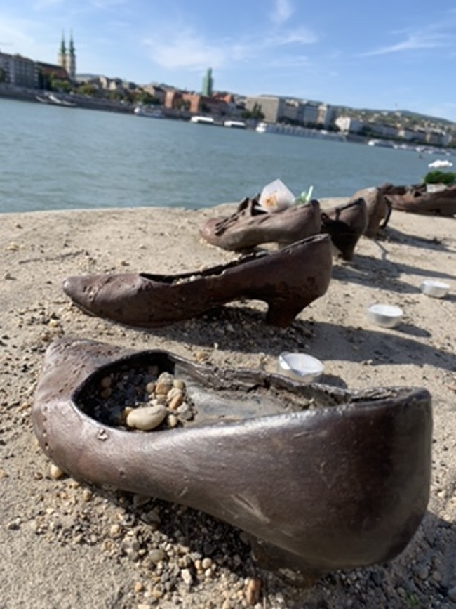 shoes on the danube 1