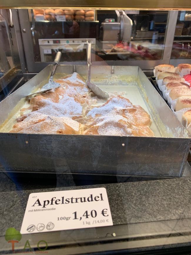apple strudel  germany bavaria