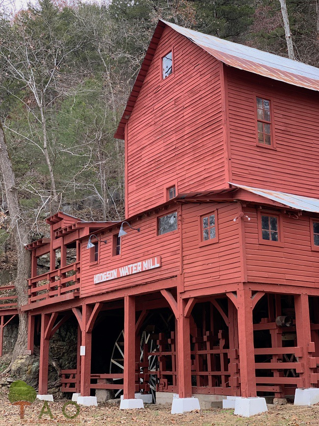 Milling About in the Ozarks: Rockbridge and Hodgson Mills
